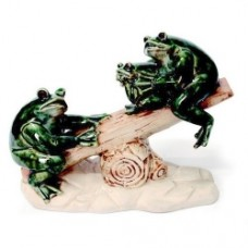 Porcelain Frogs Playing Seesaw  (18.3X8X14.3m) (NO DC)