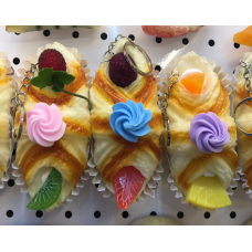 Squeeshy Pastry A 10.5 x 6 x 7cm (25 gram)  6 ea/pack (No DC)